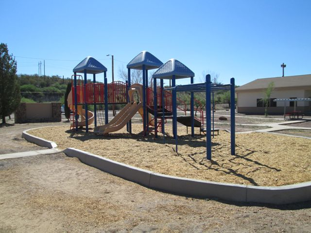 /OpenSpaceTrails/NeighborhoodParks/Playground from the west.jpg
